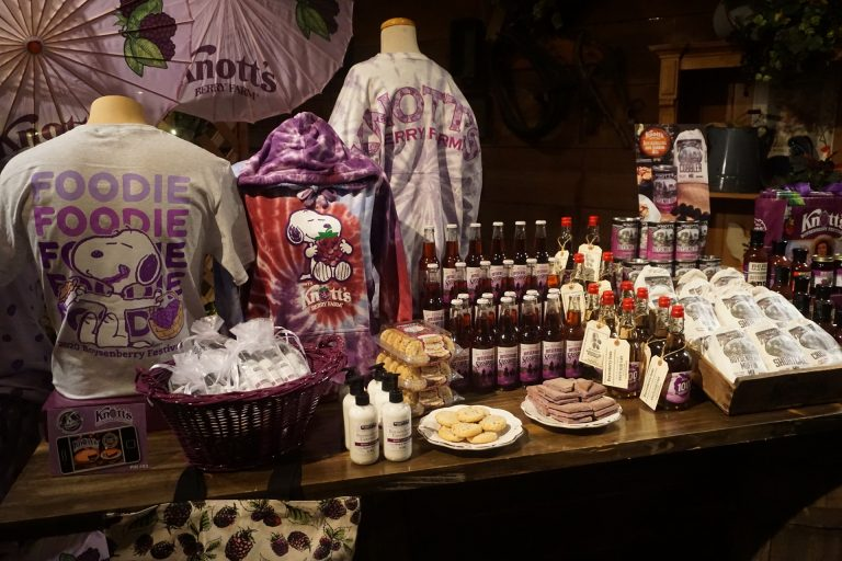 Knott's Gives a TASTE of the Boysenberry Festival