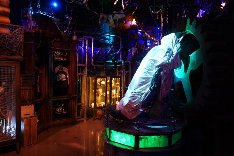 Halloween Horror Nights Tribute Store opens at Universal Studios Florida