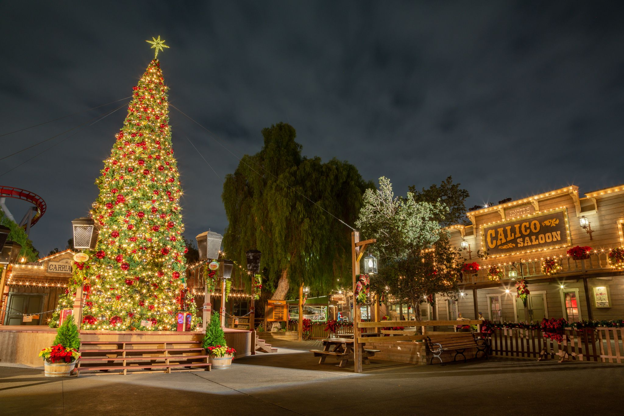 Knott S Berry Farm Celebrates The Holidays With The All New Knott S Taste Of Merry Farm Inside Universal